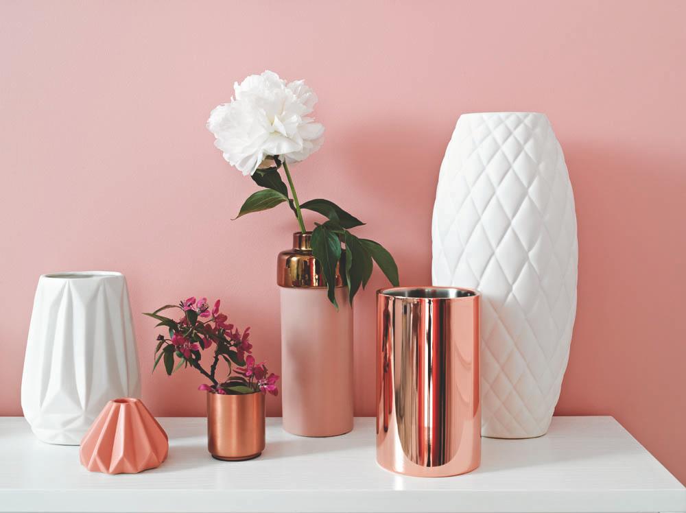 różowa aranżacja z wykorzystaniem farb Tikkurila.