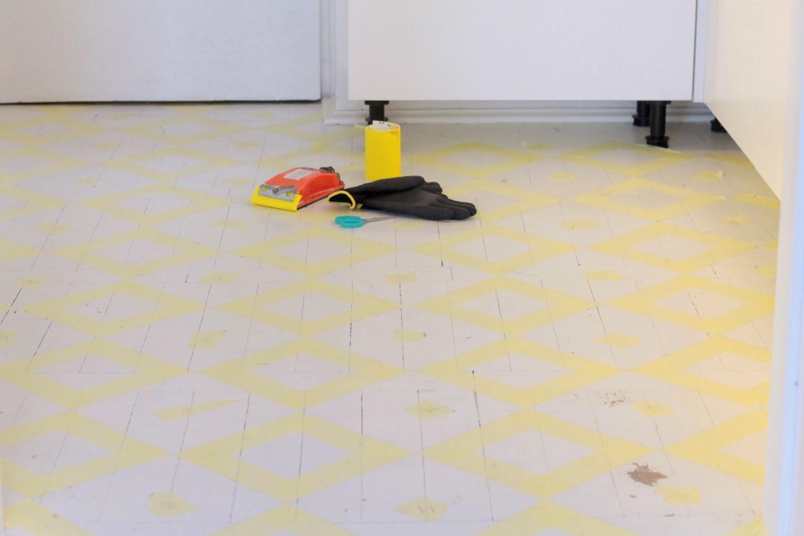 Podłoga z żółte wzory - metamorfoza podłogi