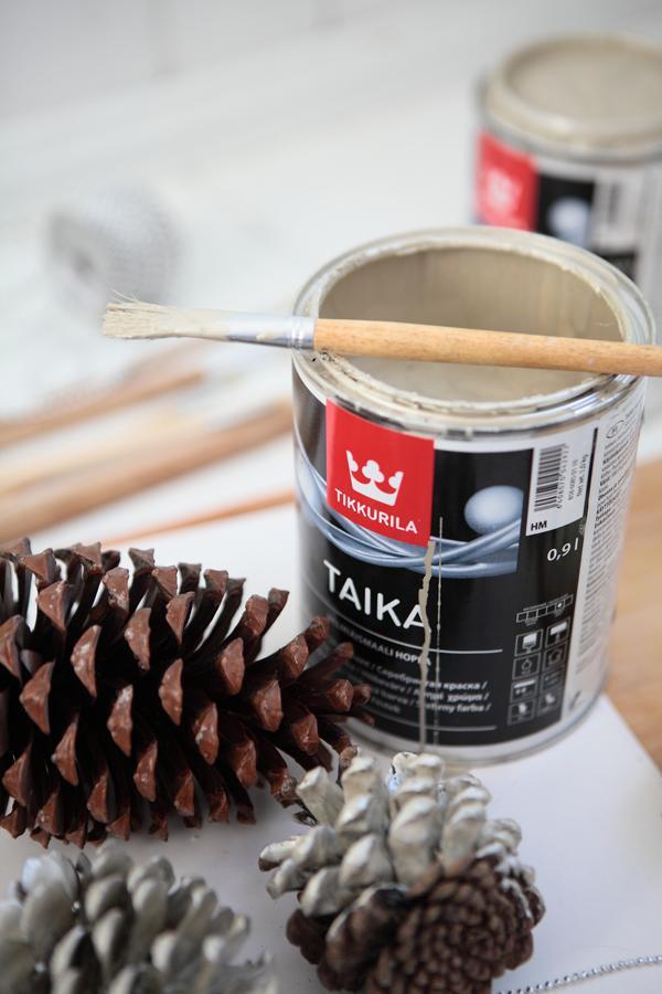 Farba Tikkurila, której użyto do samodzielnego stworzenia świątecznych dekoracji.
