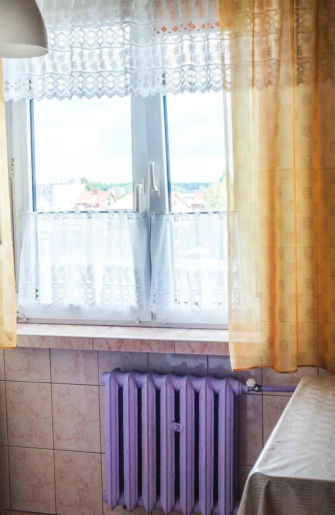 metamorfoza-kuchni-okno-zaslonki-666x1024
