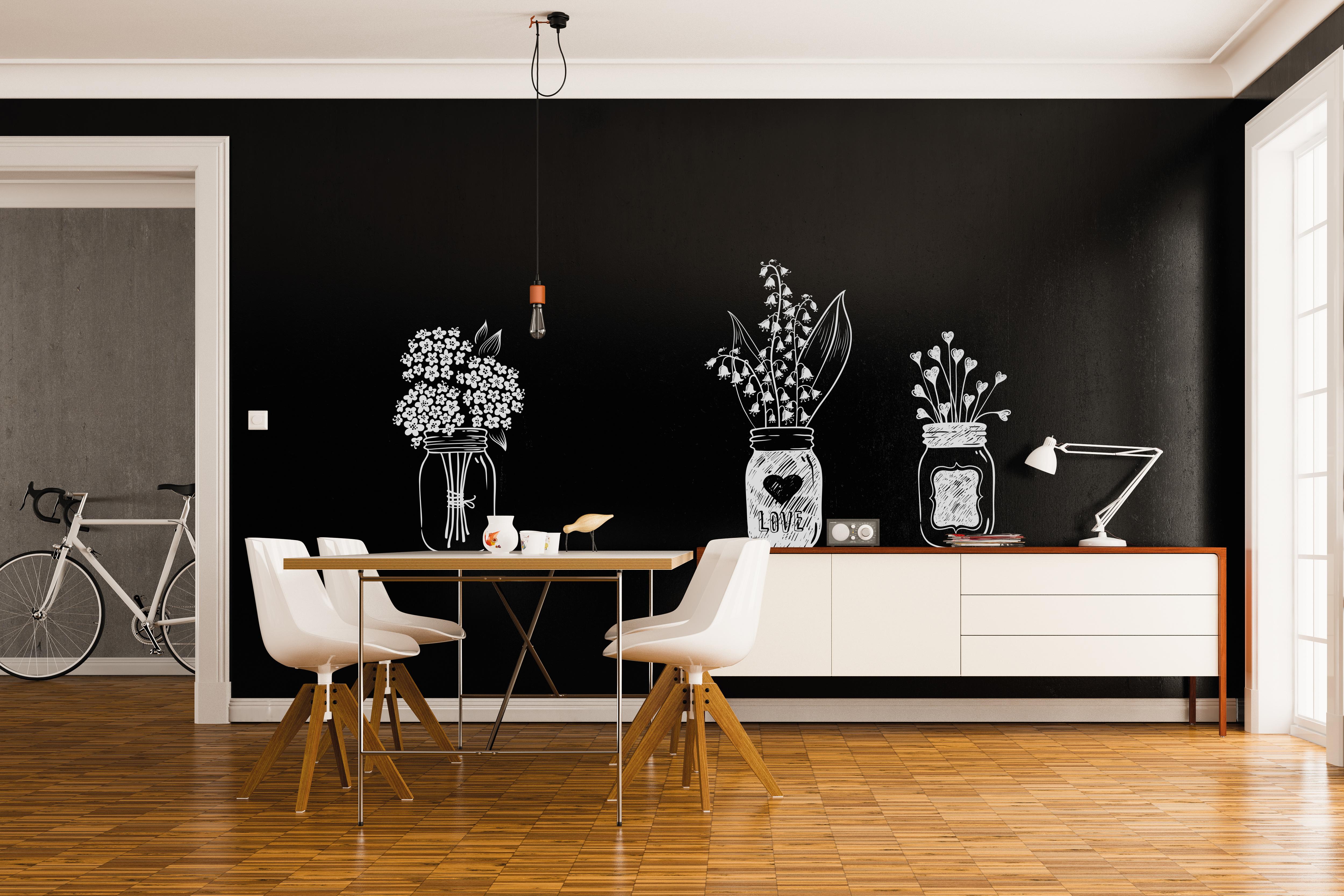 Esszimmer schwarze Wand