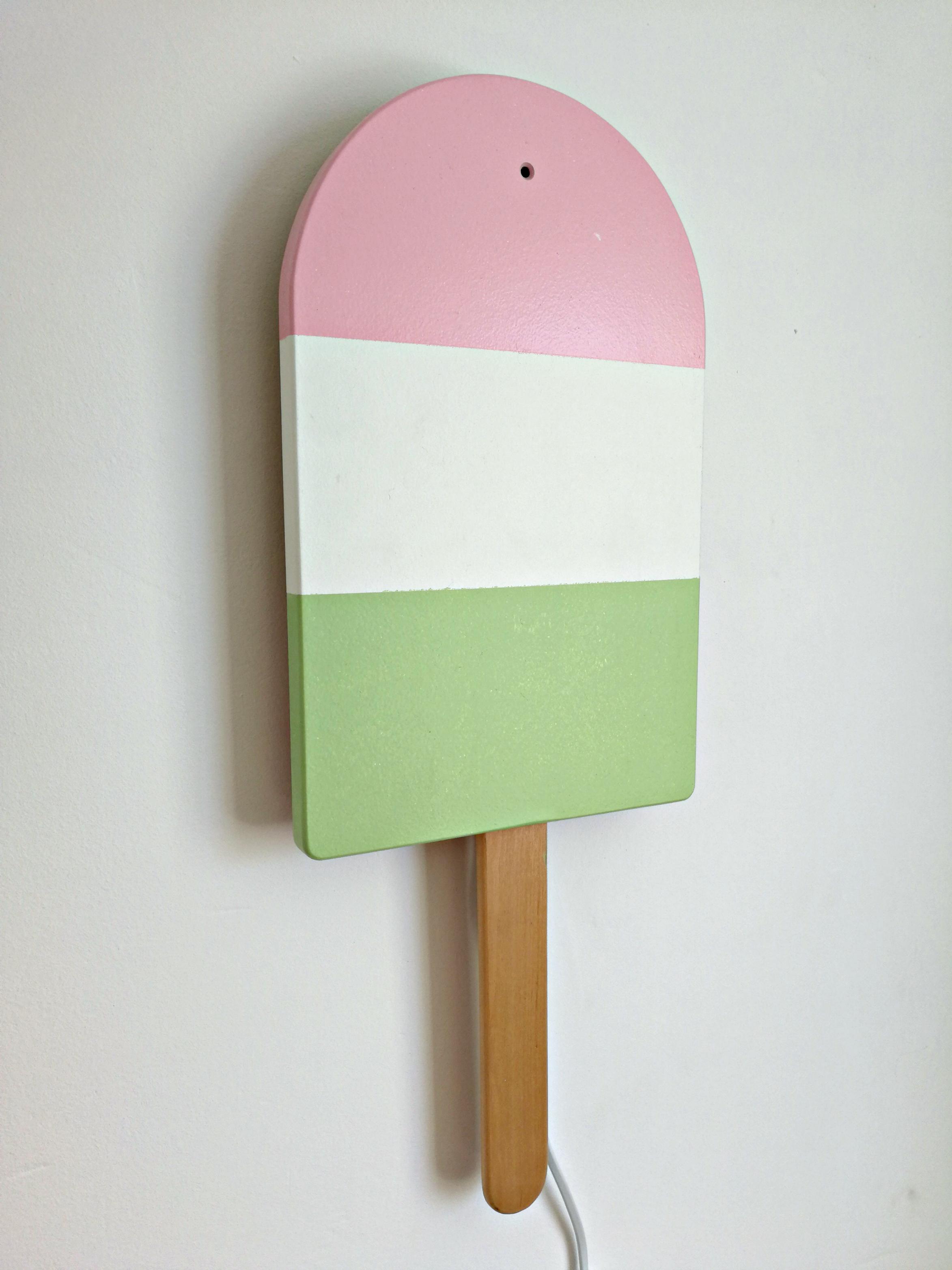 Tikkurila_lampka_na_sciane_DIY