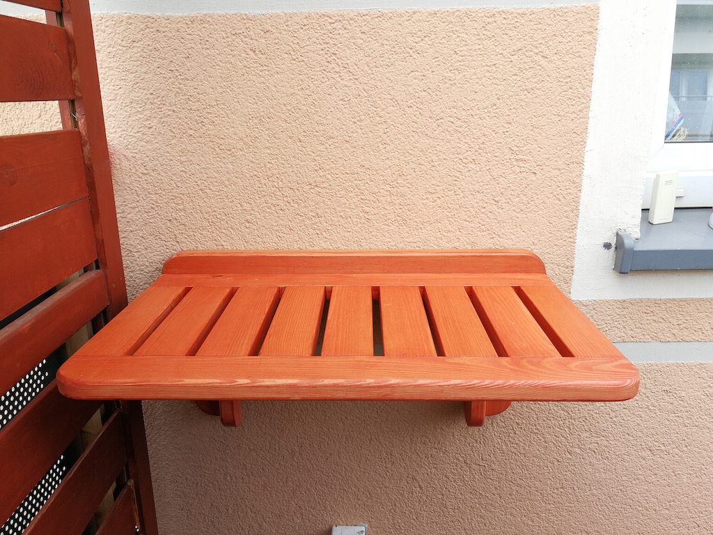 Tikkurila_stolik_skladany_na_balkon_DIY