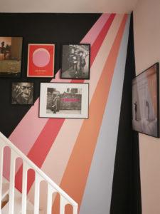 geometryczne wymalowania na ścianach