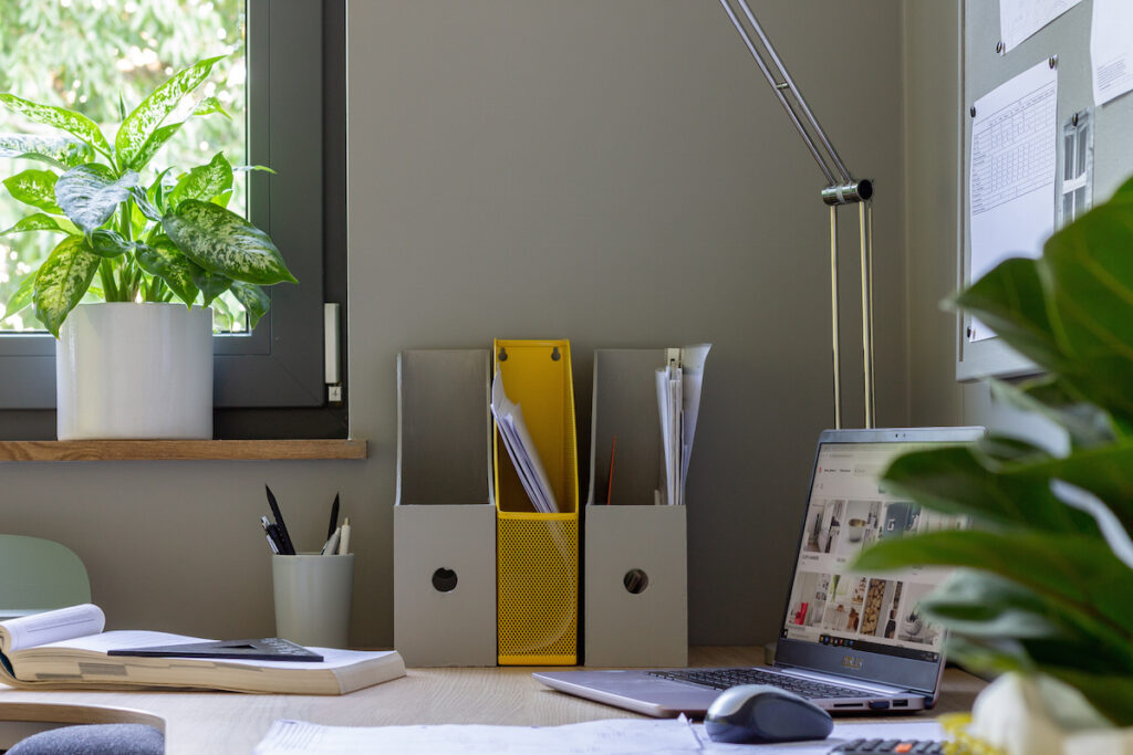 tikkurila-biuro-w-stylu-modern_14