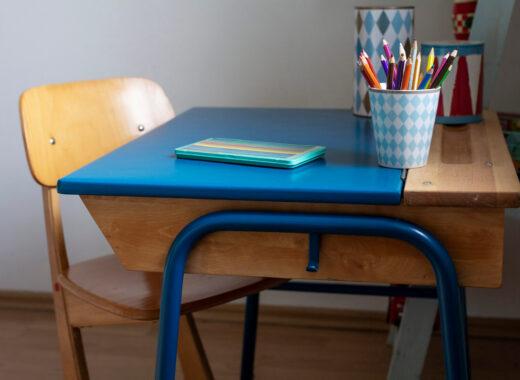 jak urządzić pokój dziecka biurko